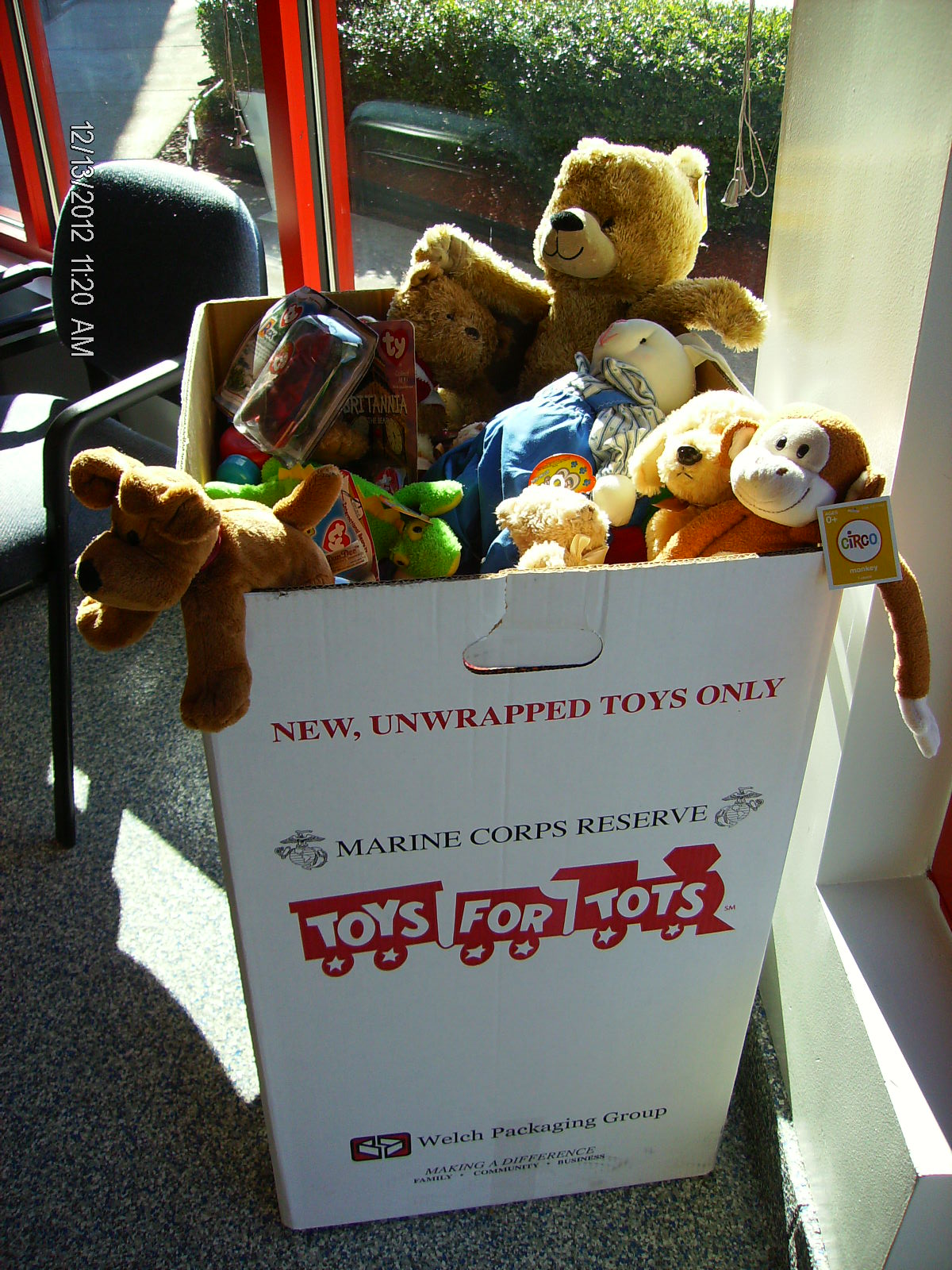 Toys For Tots 2013 : Ezstorage helps with toys for tots holiday campaign