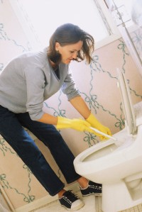 15 Bathroom Spring Cleaning Tips